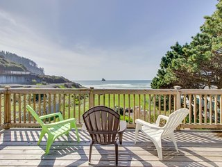 Spectacular beachfront dog-friendly cottage with private hot tub!