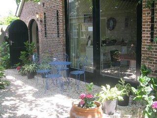 Own entrance, terrace