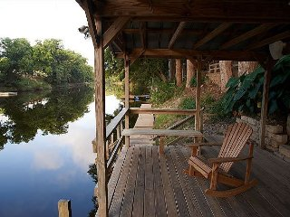 Best house on the Guadalupe River, huge decks, kayaks included!!