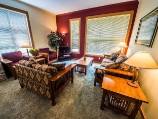 #200: 2 Bedroom | White Crystal Inn, Big White