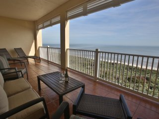 Fantastic Oceanfront 3 BR/2 BA condominium. Rent directly from the owner!