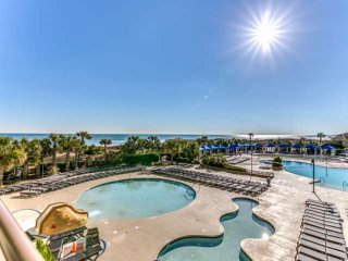 NEW RENTAL,JUST UPDATED! 2.5 Acre Pool Complx,Swimup Bar,Fitness,Oceanfront,N Be