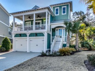 Impeccable Home with Private Pool that can be Heated in North Beach Plantation