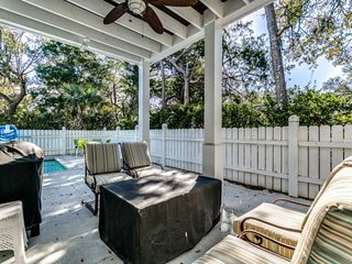 Private Pool & Fire Pit,2.5 Acre Pool Complex, Swim Up Bar,Wifi,N Beach Plantati