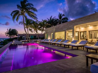 Casa Frajari - luxury exquisite beachfront villa at tropical paradise!