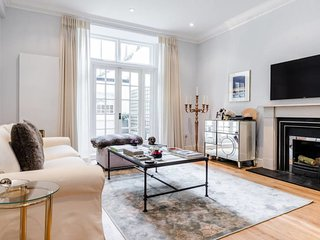 Luxury 2 Bed 2 Bath in South Kensington