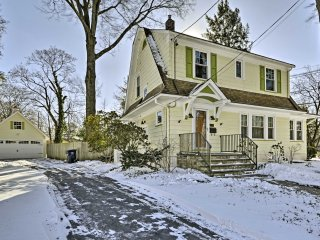 NEW! Renovated 3BR Quaint Dutch Colonial w/ Deck!