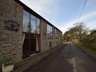 PK534 Cottage in Whaley Bridge