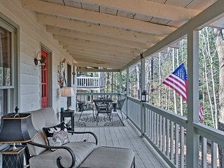 NEW! 2BR Ellijay Cottage-Porch & Golf Course Views