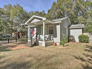 NEW! 2BR Pensacola Home w/Deck - 15 Mins to Beach!