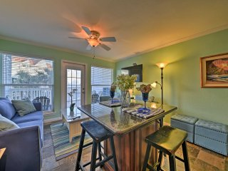 NEW! 'Sea Dream' 1BR Galveston Condo on the Beach!