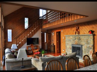 Charming French Inspired Chalet w/ Hot Tub, Firepit, Huge Deck