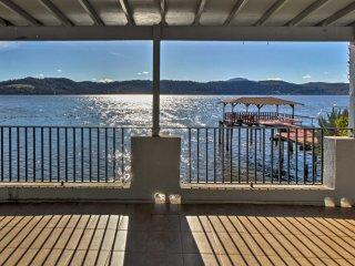 NEW! 2BR Lakefront House in Clearlake w/ Kayaks!