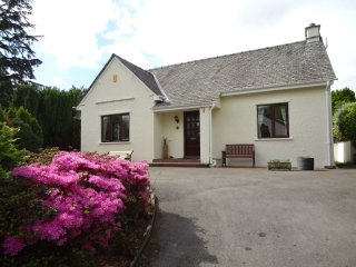 BRANTFELL LODGE, wi-fi, parking, pet friendly. Ref: 972429