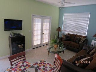 Tranquil Beach Venetian Bay Vacation Rental Just 6 Miles to Disney