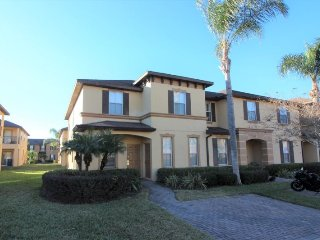 Gorgeous upgraded villa in Regal Palms