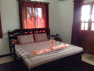 Spacious & Clean AC Studio Apt 4 with Fully Equipped Kitchenette, Calangute