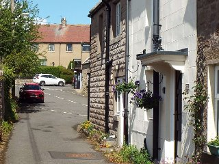 Tweed Cottage, character cottage with free WiFi