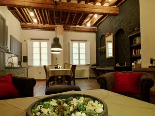 1 Bedroom Apartment in Lucca Center, Italy