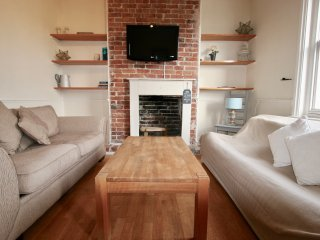 Charming 2 bedroom maisonette in Chichester