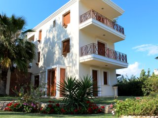 Deluxe 4 Bedroom Villa | Beach Front [W Villas Halkidiki]