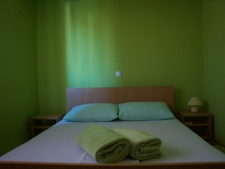 Apartman Viveniti yellow