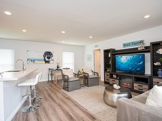 $115 August Special!!!  Cute One Bedroom Condo!  Walk to Beach, Pier, Shops and
