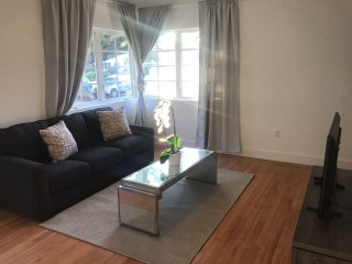 Restful and brand new apartment close to the Beach