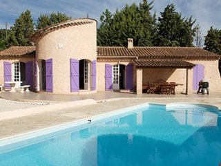 169143 villa with well kept garden of 20.000m2, pool of 10 x 5 mtr, beach 1.6 km