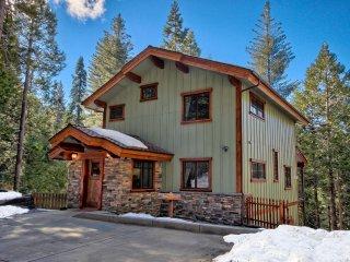 Two King Bedrooms, Two Baths, Inside Yosemite Gates