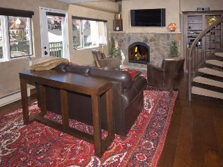 3 Bedroom Vacation Condo in Lionshead - Short Walk To Eagle Bahn Gondola and Cha