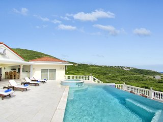 Villa Star - Ideal for Couples and Families, Beautiful Pool and Beach