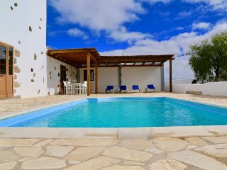 Villa Thor - large superb villa with private tennis court & private heated pool