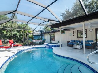Cozy Pine Cottage - Private Pool, Spa home surrounded by lush gardens...steps to