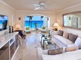 Reeds House Penthouse 13 - Ideal for Couples and Families, Beautiful Pool and Be