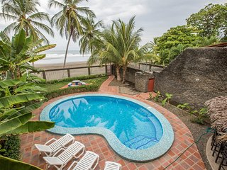 Casa Dulce - Jaco Beachfront Party House 9 Bedrooms / 8 Bathrooms