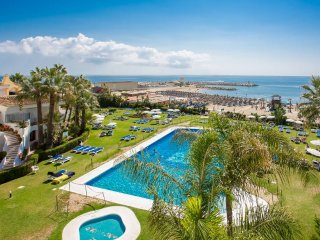 168 - 4 Bedroom Penthouse in Puerto de Cabopino