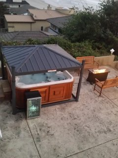 Mechanized Hot Tub Cover Takes the Work Out of It!