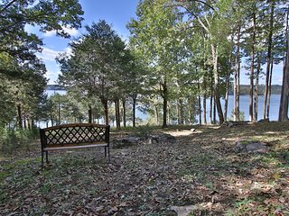Wonderful Lakefront 5 bed/5 bath with stunning views in a private setting!
