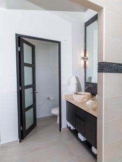 Master Suite 2 Luxury Spa Bathroom