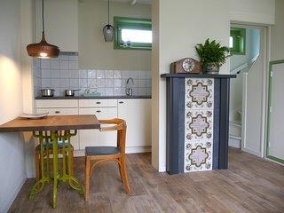 Catharina's stee vakantieappartement in dorpscentrum nabij de Noordzee
