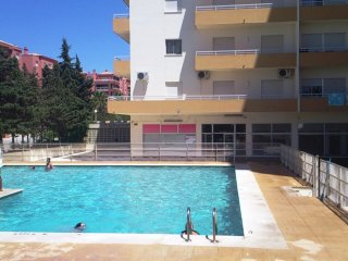 Two bedroom apartment with pool and parking, 2 minutes walk beach