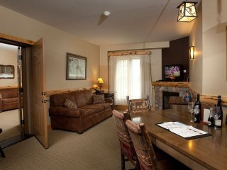 Sleeps 10! Suite + Fireplace & Balcony | Onsite Spa, Gym, & Waterpark