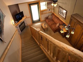 Log Cabin Decor - Deluxe Studio | On-Site Waterpark, Spa & Restaurants