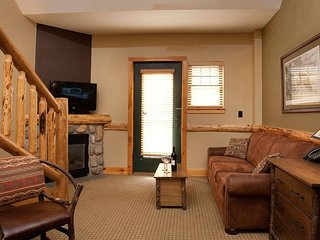 Cozy Roaring Brook Suite - Studio with Loft for 6