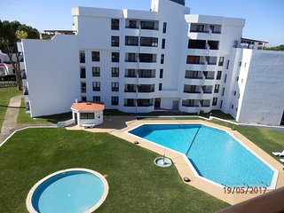Sunny 1 bedroom apartment with pool Tenis Golfmar 409A in Vilamoura