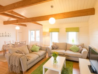 Duckpool Lodge - Fabulous Family-Friendly Log Cabin Close To Sandy Beaches