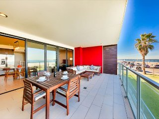 Oceanfront Condo w/ Sweeping Views, Steps to Dining