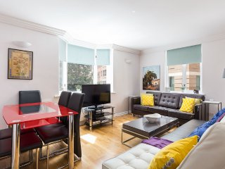 Brilliant 2 bed apartment in Mayfair