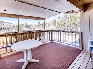 Warm and welcoming upgraded condo close to Giant Steps!